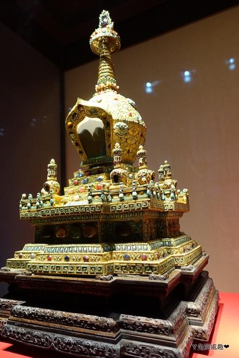 金累絲嵌珠寶塔
