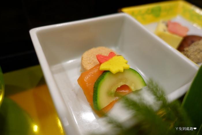 小黃瓜跟煙燻鮭魚