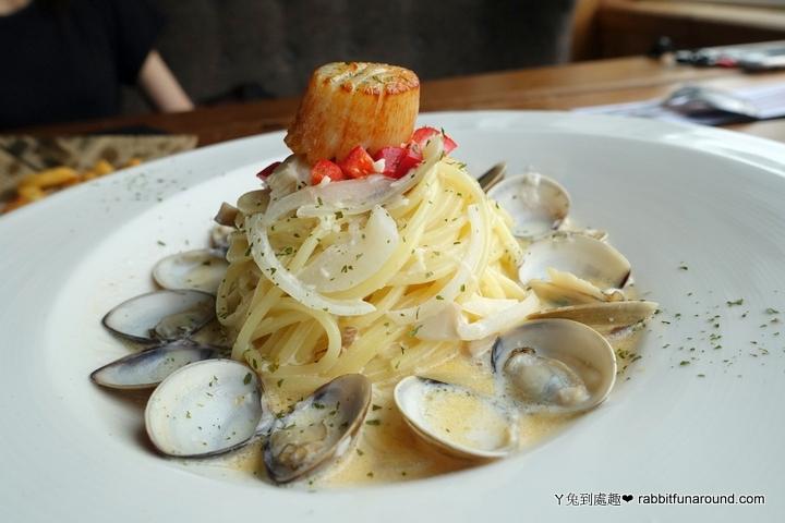 奶油干貝蛤蜊義大利麵