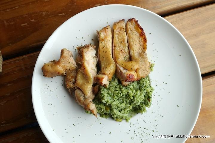 羅勒青醬雞腿排燉飯